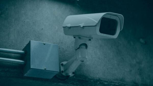 ¿Vulnera mis derechos fundamentales la cesión de grabaciones de cámaras de seguridad de las Comunidades de Propietarios a la policía?