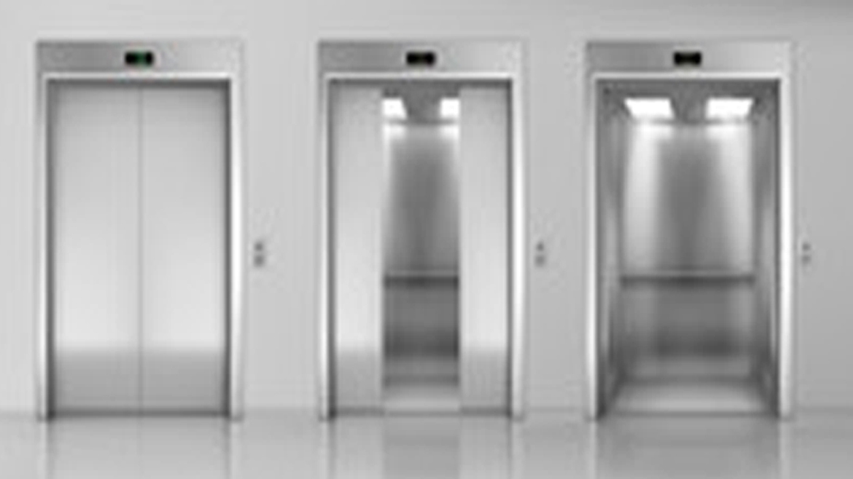Ocupación de zonas privativas para instalación ascensor comunitario